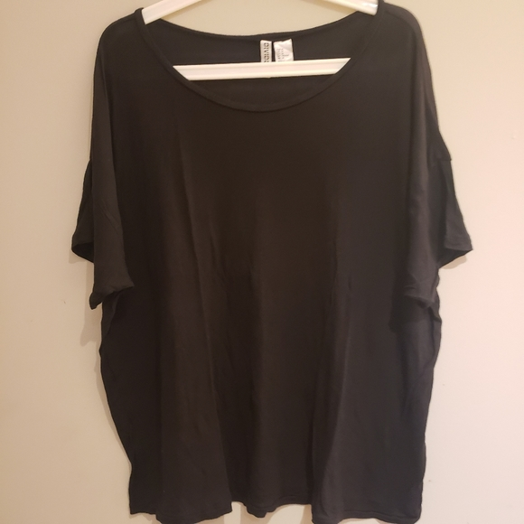 H&M Basic Black T-Shirt
